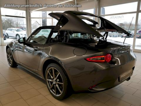 Mazda MX-5 RF Dach während Öffnung von hinten